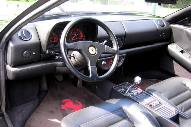 Салон Феррари 512 TR