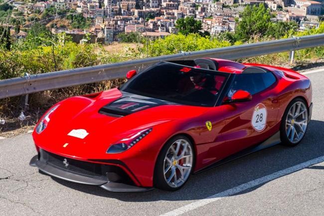 Эксклюзивный Ferrari F12 TRS