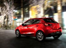 Mazda2 2015 фото