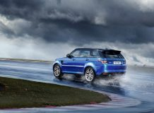 Новый Range Rover Sport SVR 2017 фото