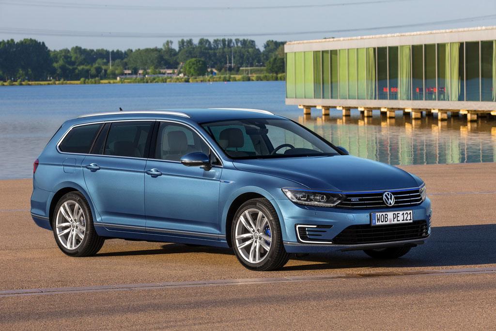 VW Passat Variant GTE фото