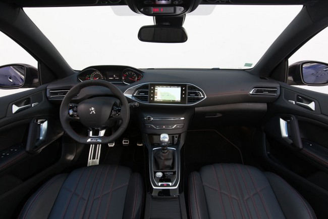 Салон Пежо 308 GT