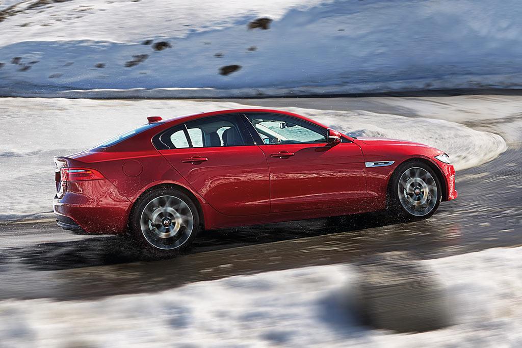 Новый Jaguar XE 2019 года