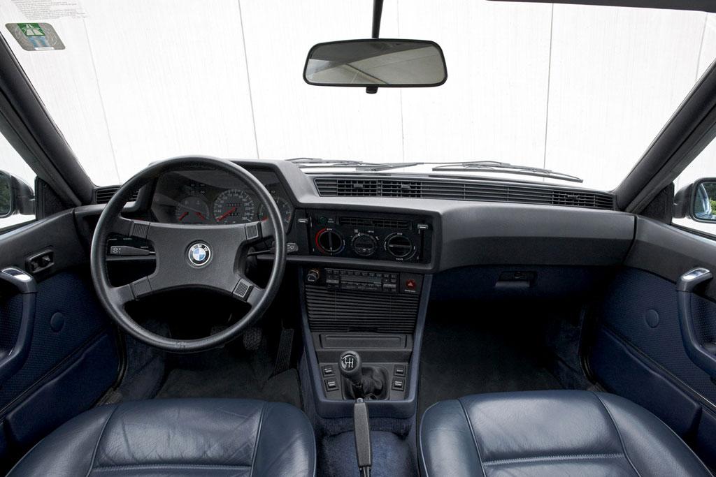 Салон купе BMW 6er (E24)