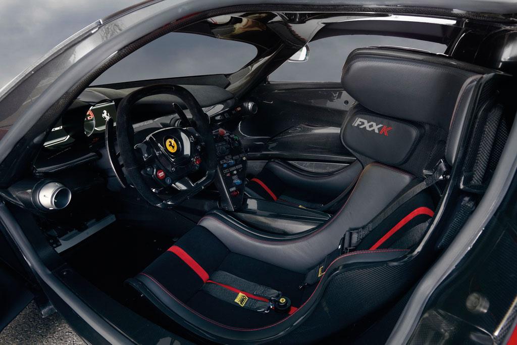 Фото салона Ferrari FXX K