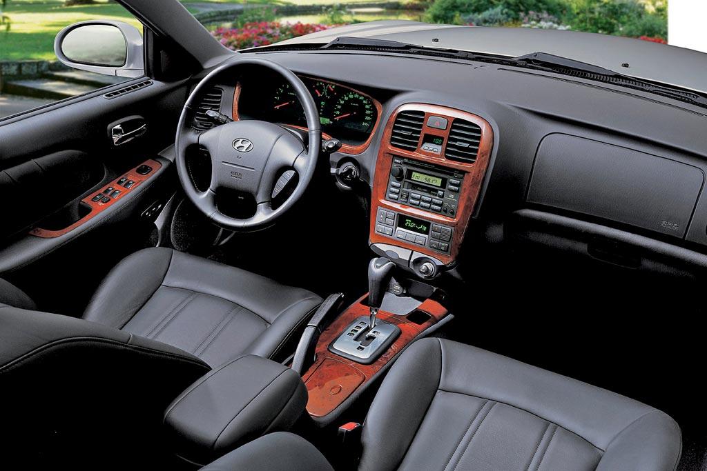 Фото салона Hyundai Sonata IV