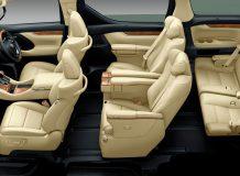 Интерьер Toyota Alphard 3