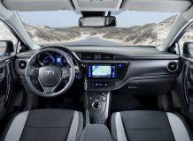Фото салона Toyota Auris 2 FL