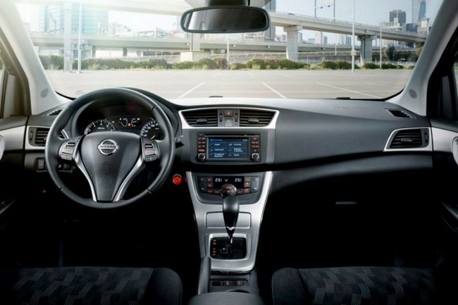 Салон Nissan Tiida 2015