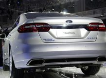 Новый Ford Taurus 2016 фото