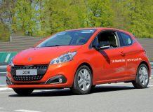 Peugeot 208 проехал на одном баке 2 152 километра