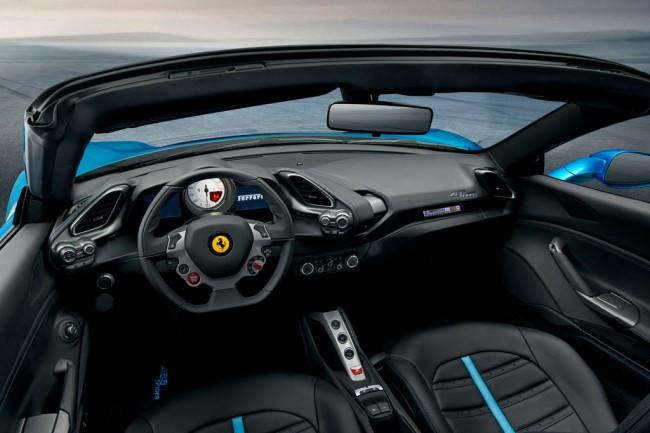Салон Ferrari 488 GTB Spider