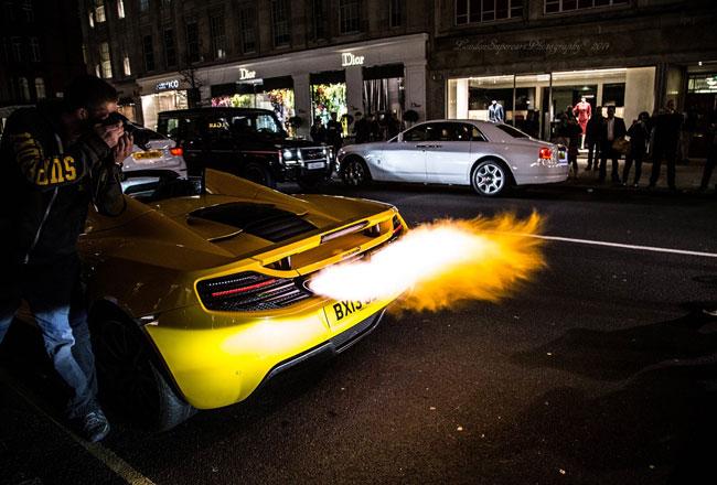 В Лондоне будут штрафовать владельцев громких автомобилей