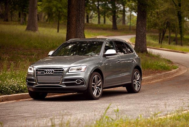 Проданные в России Audi SQ5 попали под отзыв