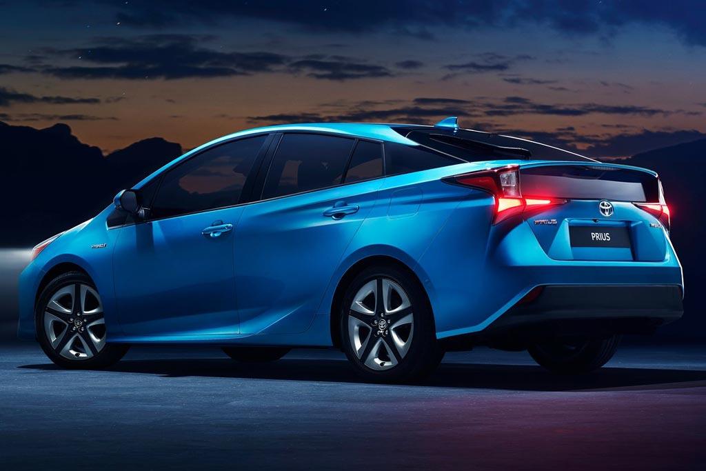 Новая модель Тойота Приус 2021 года