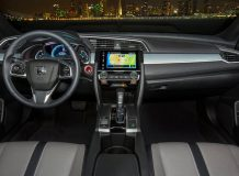 Фото салона Honda Civic 10 Coupe