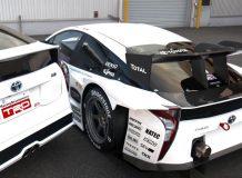 Фото гоночной Тойота Приус GT300