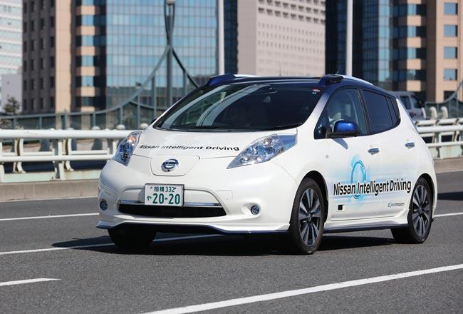 Nissan Leat с системой автономного управления