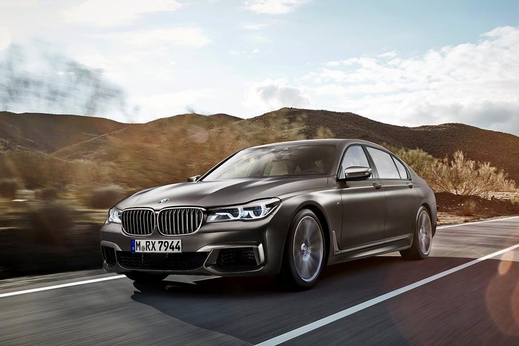 Топовый седан BMW M760Li xDrive