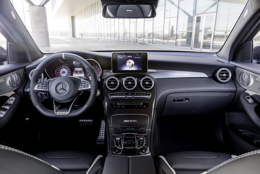 Фото салона Mercedes-AMG GLC63