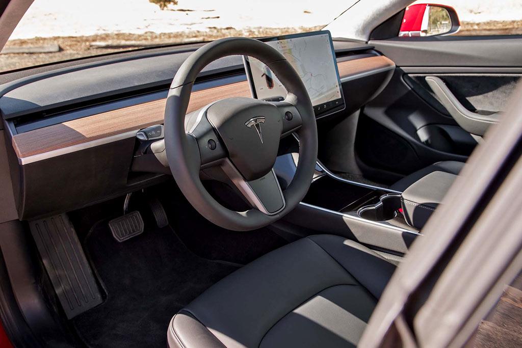 Салон Tesla Model 3 фото