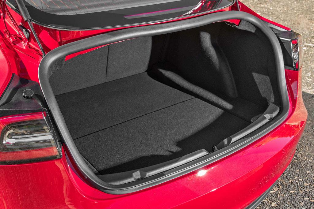 Багажник Теслы Model 3