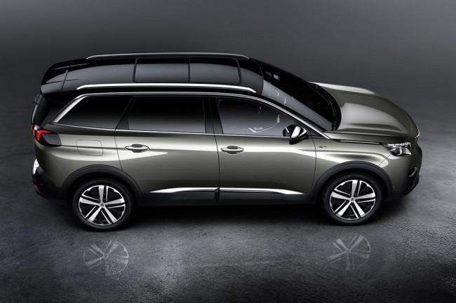 Peugeot 5008 2017 в новом кузове