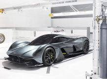 Aston Martin AM-RB 001 фото