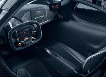 Фото салона Aston Martin Valkyrie
