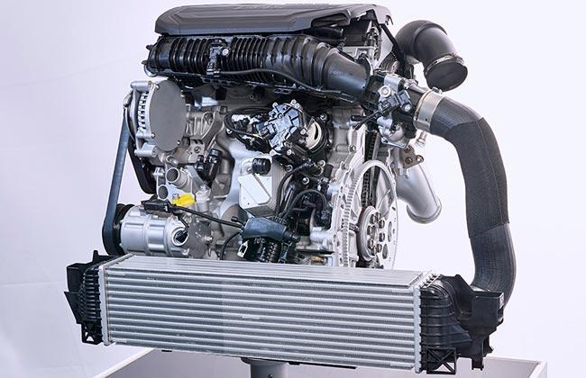 Новая бензиновая четверка BMW