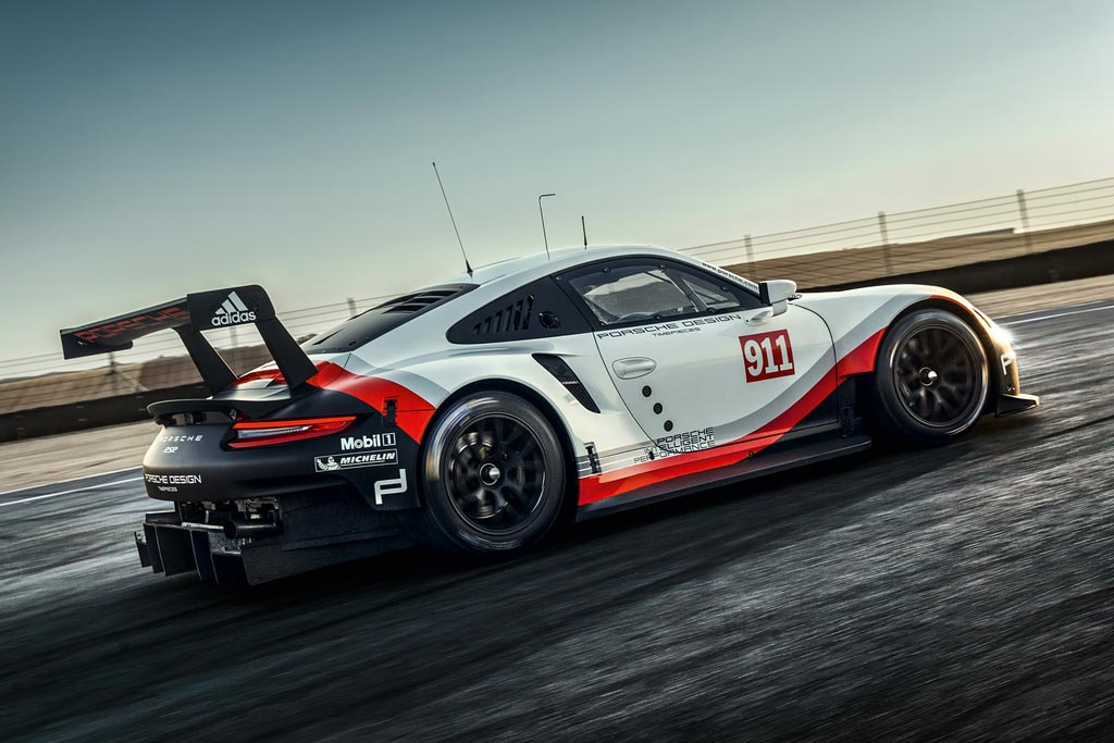 Порше 911 RSR 2017 года