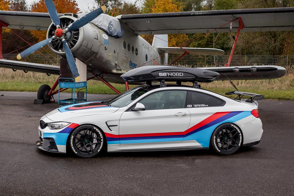 Фото BMW M4R от ателье Carbonfiber Dynamics