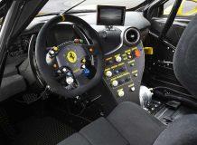 Фото салона Ferrari 488 Challenge