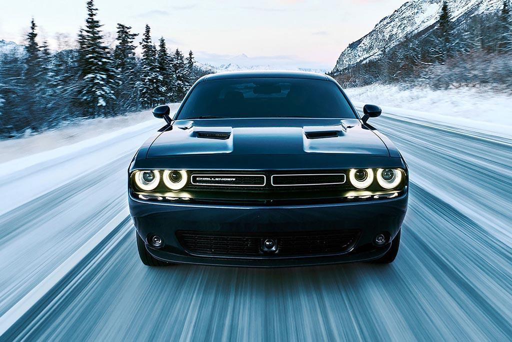 Новый Dodge Challenger GT фото