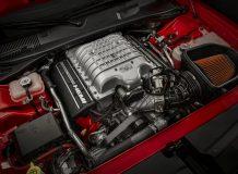 850-сильный двигатель 6.2 V8 Hellcat
