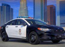 Полицейский седан Форд гибрид фото