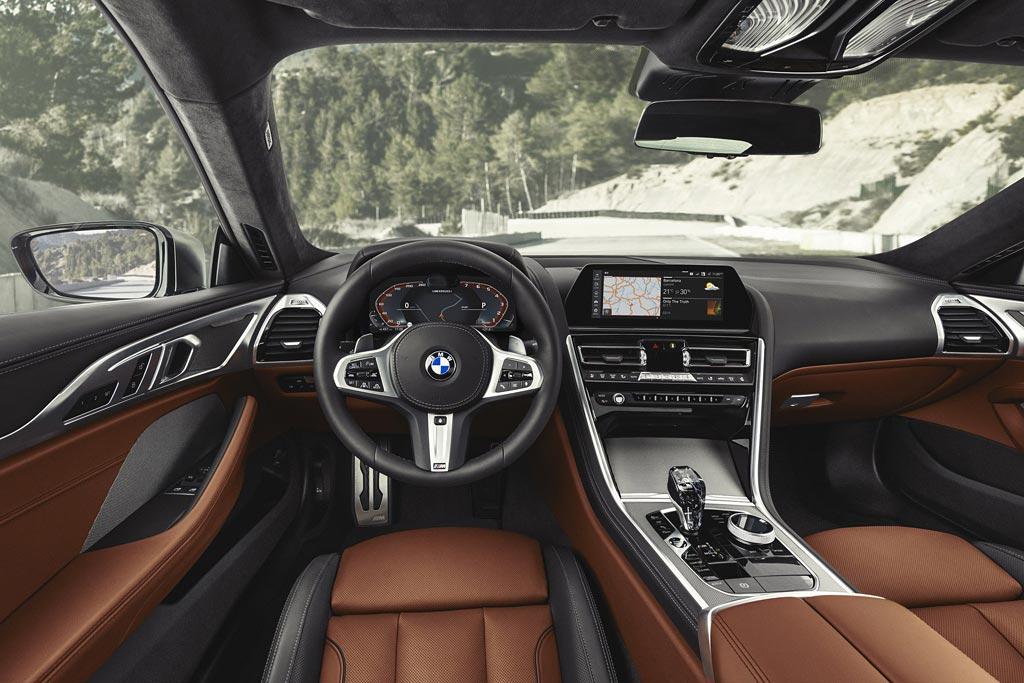 Салон BMW 8-серии (G15)