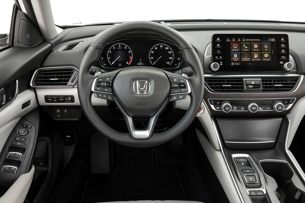 Салон Хонда Аккорд 10