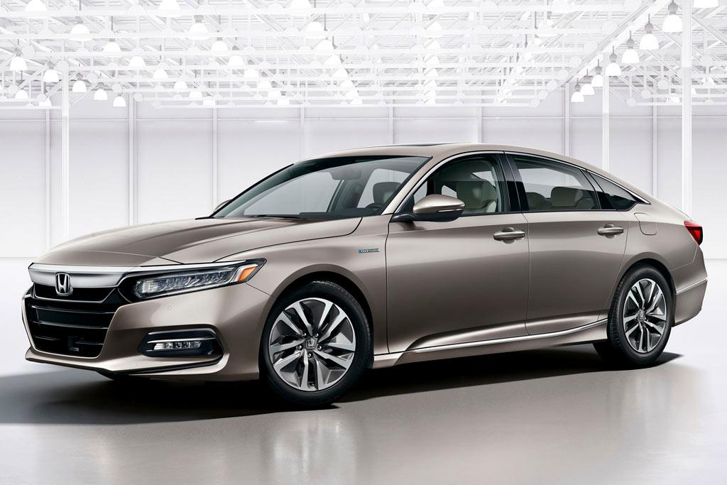 Honda Accord Hybrid в новом кузове