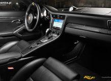 Салон 911 Турбо S Dark Knight