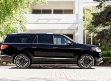 Lincoln Navigator Extended фото
