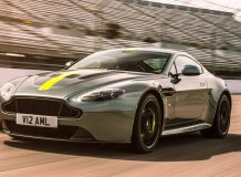 Фото Aston Martin Vantage AMR
