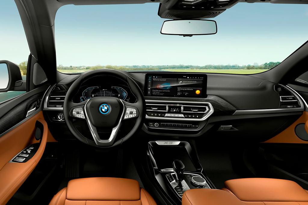 Баварцы обновили кроссоверы BMW X3 и X4: известны российские цены