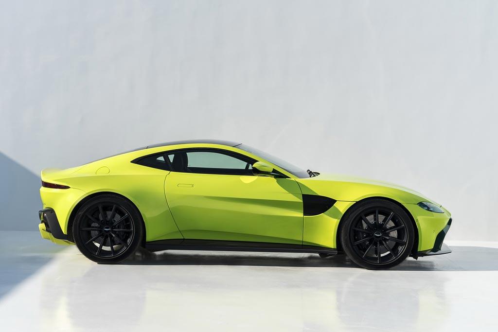 Aston Martin Vantage II в новом кузове