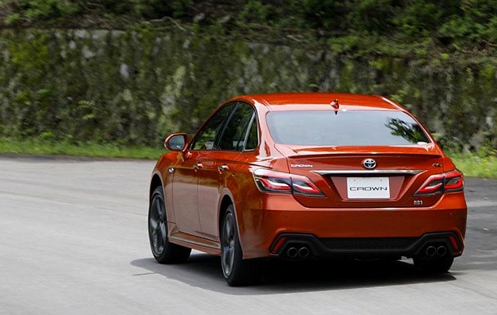Toyota Crown 15 поколения