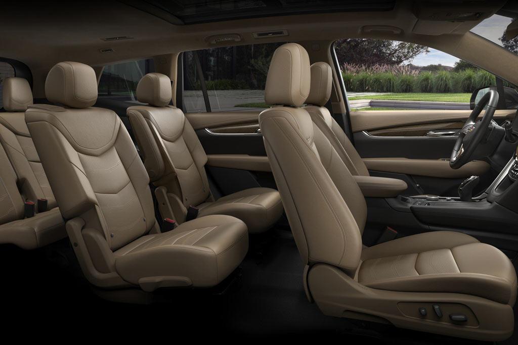 Интерьер Cadillac XT6