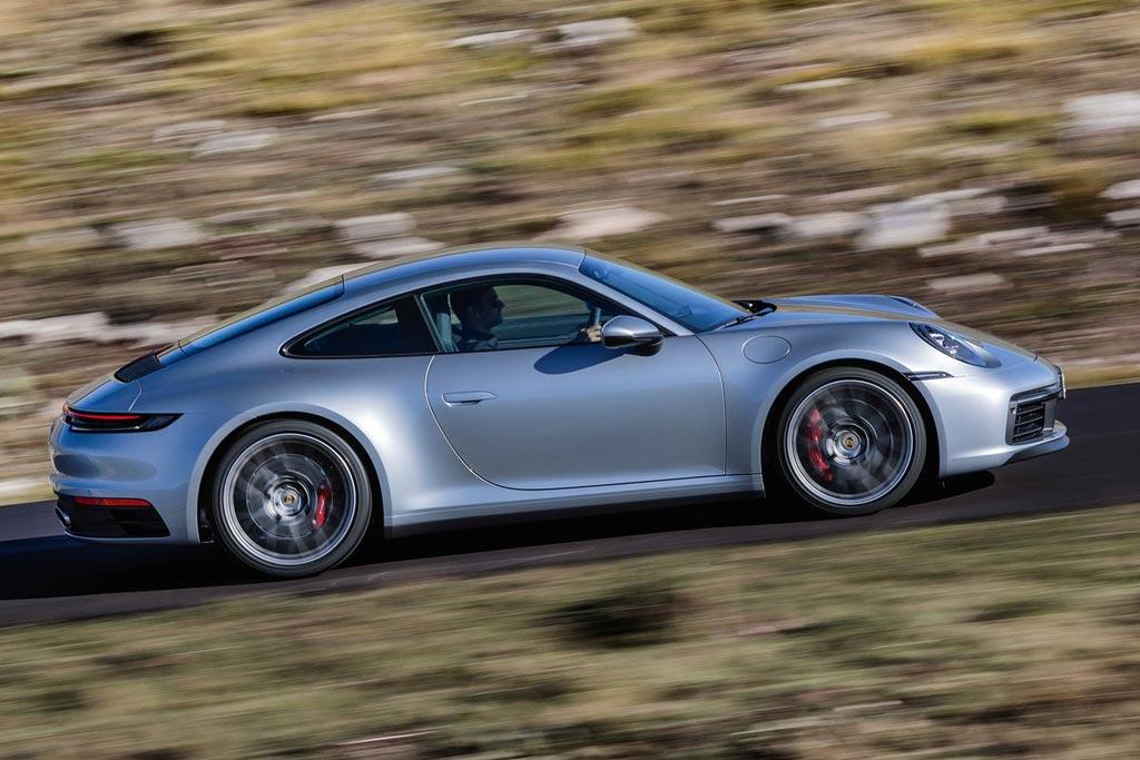Новый кузов Порше 911 Carrera 4S 2020