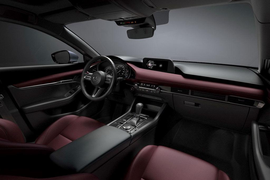 Салон Mazda 3 new