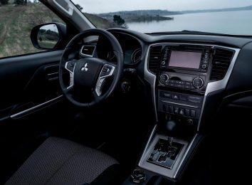 Mitsubishi L200 [year]