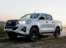 Toyota Hilux Exclusive Black